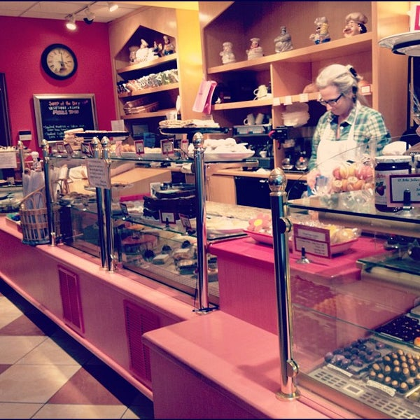 Praline Bakery & Bistro - 20 tips from 397 visitors