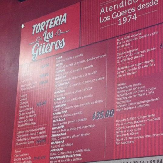 """Das Foto wurde bei Tortería """"Los Güeros"""" von KCHØ! am 8/20/2011 aufgenommen"""