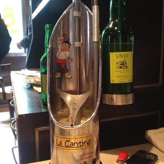 6/20/2012 tarihinde Fatima M.ziyaretçi tarafından La Cantina'de çekilen fotoğraf