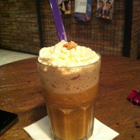 Das Foto wurde bei The People's Cafe von Dinda P. am 1/22/2012 aufgenommen