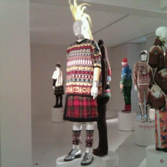 Foto tirada no(a) MoMu - ModeMuseum Antwerpen por Katerina S. em 12/17/2011