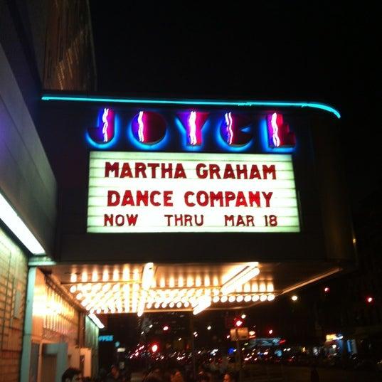 Photo prise au The Joyce Theater par Tiffany B. le3/16/2012