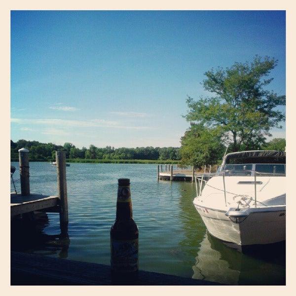 Foto tomada en Lord Fletcher's Old Lake Lodge por Kristin K. el 8/7/2012