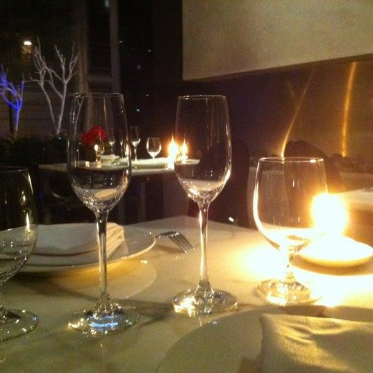 รูปภาพถ่ายที่ Jaso Restaurant โดย Charly R. เมื่อ 2/17/2012