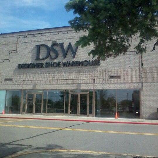 DSW Designer Shoe Warehouse - Aquila