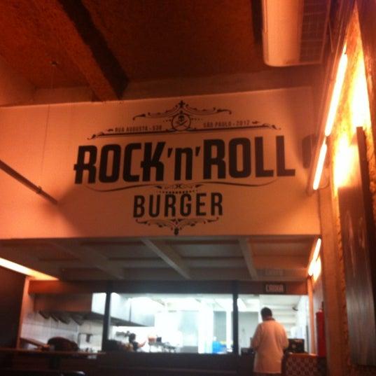 9/9/2012 tarihinde Chiara M.ziyaretçi tarafından Rock 'n' Roll Burger'de çekilen fotoğraf