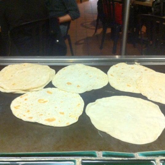 รูปภาพถ่ายที่ Cafe Coyote โดย Javier G. เมื่อ 3/30/2012