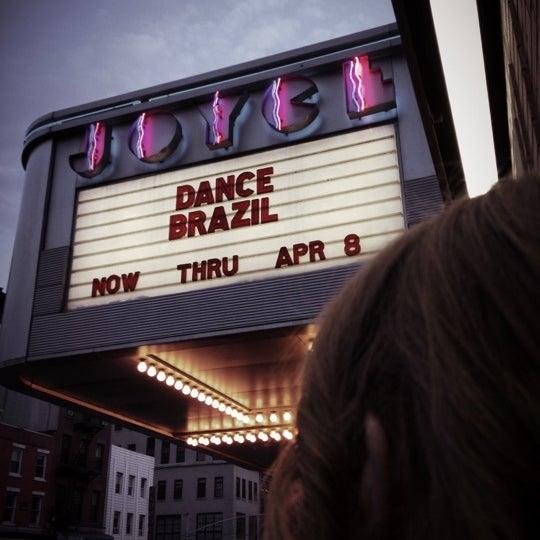 Photo prise au The Joyce Theater par Musta F. le3/28/2012