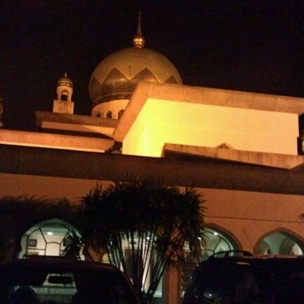 7/14/2012 tarihinde Salwa R.ziyaretçi tarafından Masjid Al-Ameerah Al-Hajjah Maryam, Kg Jerudong'de çekilen fotoğraf