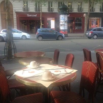 Photo prise au Le Manoir par Sergey S. le8/4/2012