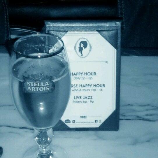Foto tomada en The Lady Silvia Lounge por Scott R. el 5/5/2012