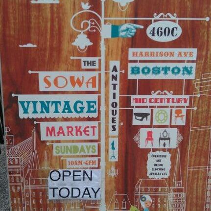 Foto tirada no(a) South End Open Market @ Ink Block por Leah R. em 8/14/2011