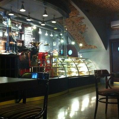 Снимок сделан в Sicaffe пользователем CRow 7/27/2012