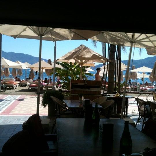 Foto tomada en Vamos Beach por Birkan el 9/1/2012