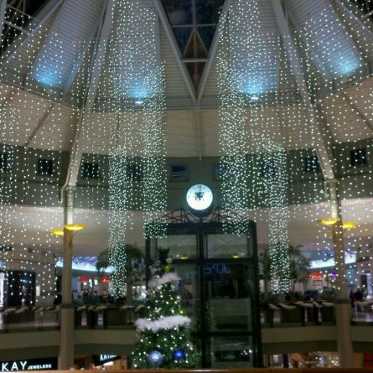 Sterling Town Center: Shopping Mall In Sterling