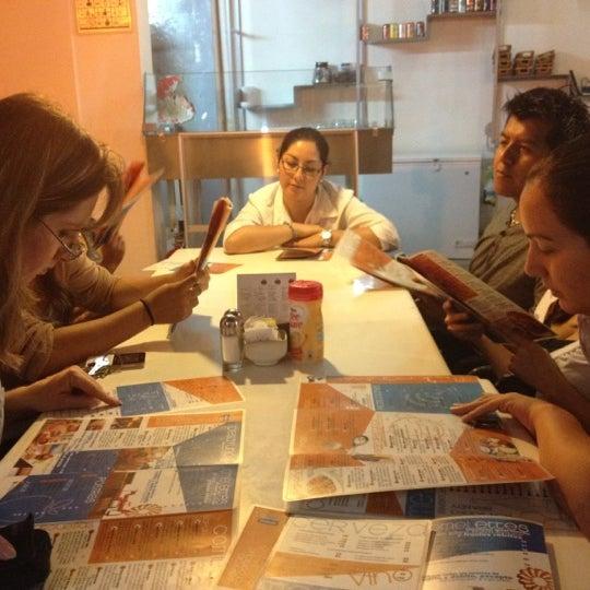 รูปภาพถ่ายที่ Jerónimas โดย DuB . เมื่อ 7/27/2012