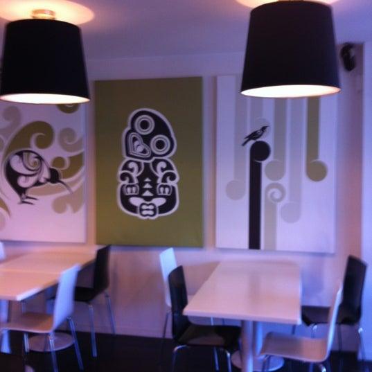 Foto tirada no(a) Tuihana Cafe. Foodstore. por EDLA! em 6/13/2012