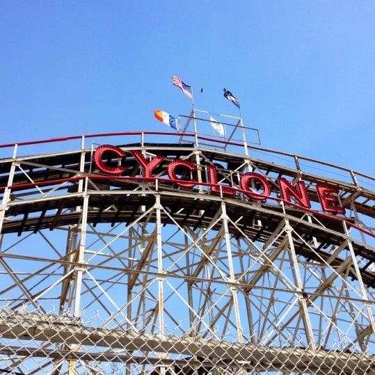 Foto tomada en The Cyclone por Tamra T. el 4/14/2012
