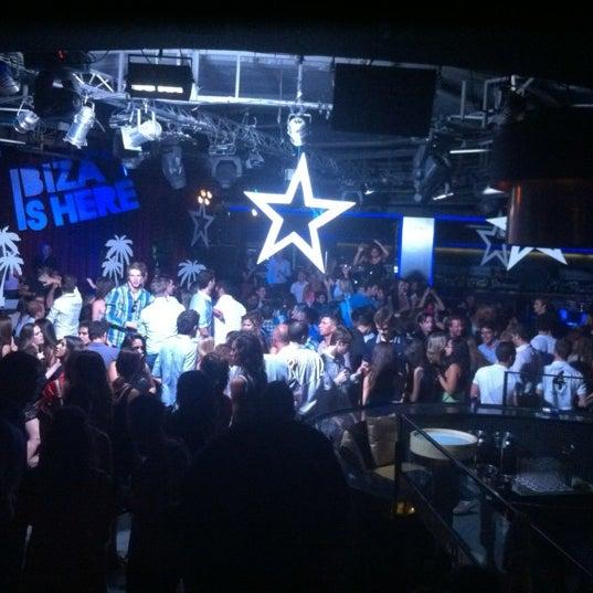 Das Foto wurde bei The Sutton Club von Juan L. am 7/6/2012 aufgenommen