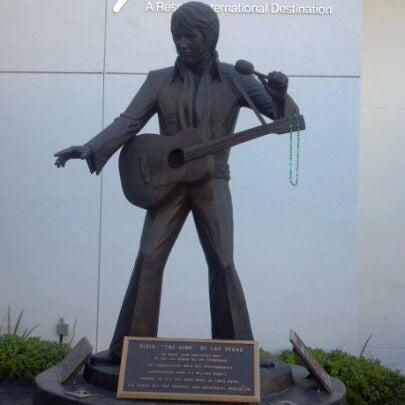 Снимок сделан в LVH - Las Vegas Hotel & Casino пользователем Phil G. 10/29/2011