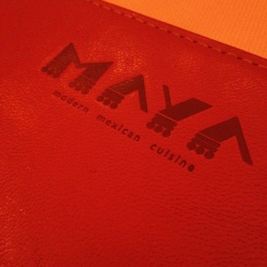 รูปภาพถ่ายที่ Maya Modern Mexican Kitchen + Lounge โดย Eman A. เมื่อ 7/13/2012