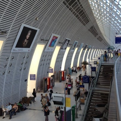 Photos At Gare Sncf D Avignon Tgv Train Station In Courtine