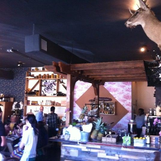 Das Foto wurde bei The Federal Food Drink & Provisions von Javier V. am 3/18/2012 aufgenommen