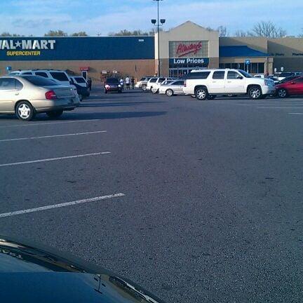 Amateur Parking Lot Fuck