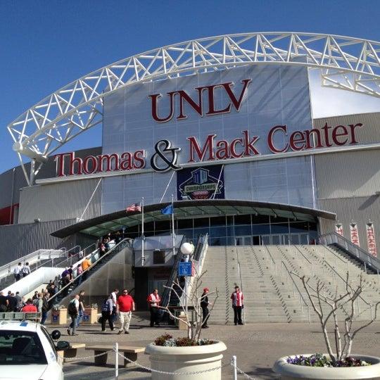 Das Foto wurde bei Thomas & Mack Center von Tomoyuki M. am 3/6/2012 aufgenommen