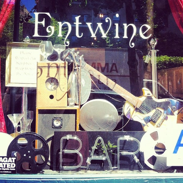 Foto tomada en Entwine por Pao G. el 7/3/2012