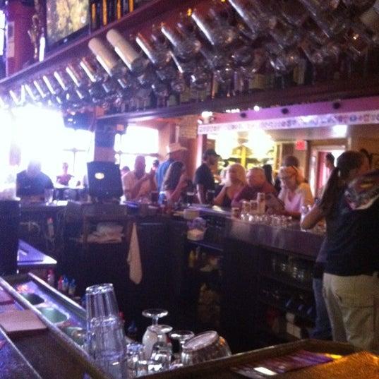 รูปภาพถ่ายที่ Firehouse Brewing Company โดย Dennis N. เมื่อ 6/17/2012