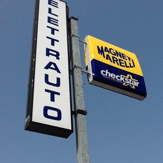 Photo prise au Autofficina Capelli par Matteo🔧 C. le4/16/2012