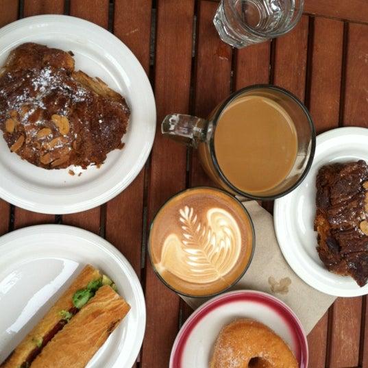 Das Foto wurde bei Brooklyn Roasting Company von Anna W. am 8/19/2012 aufgenommen