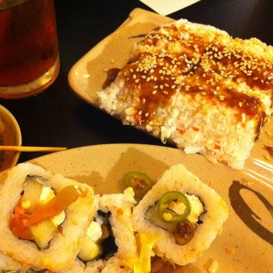 Foto diambil di Sushi Washoku oleh Jazz S. pada 10/11/2011