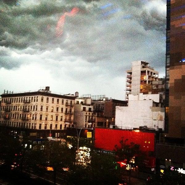 7/26/2012にMichelle Joni L.がThe DLで撮った写真