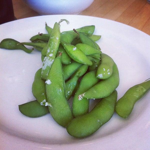 รูปภาพถ่ายที่ Sushi Tora โดย Theo🤓 . เมื่อ 6/9/2012