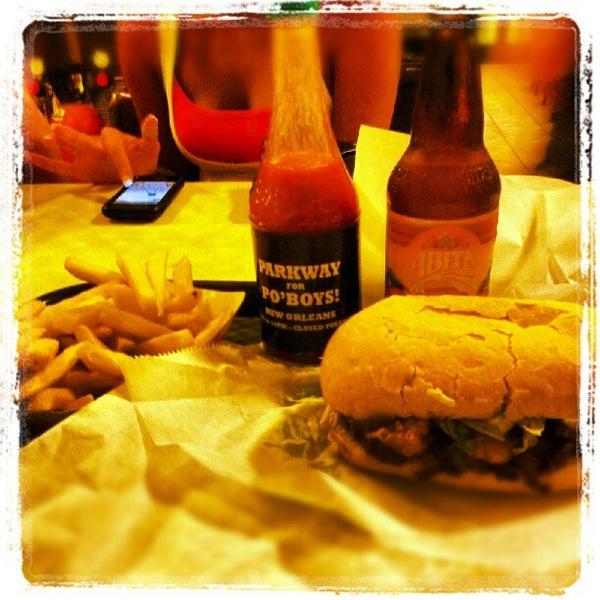 8/19/2012にAustin S.がParkway Bakery & Tavernで撮った写真