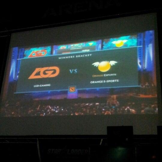 8/31/2012 tarihinde Yulia K.ziyaretçi tarafından Киберcпорт Арена'de çekilen fotoğraf
