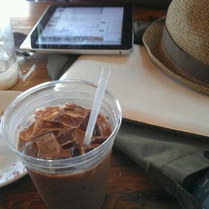 Das Foto wurde bei Lenox Coffee von Harlem A. am 8/16/2012 aufgenommen