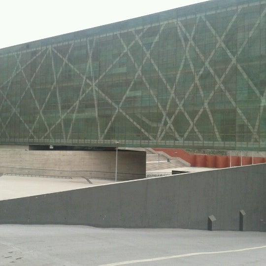 Foto diambil di Museo de la Memoria y los Derechos Humanos oleh elias V. pada 7/23/2012