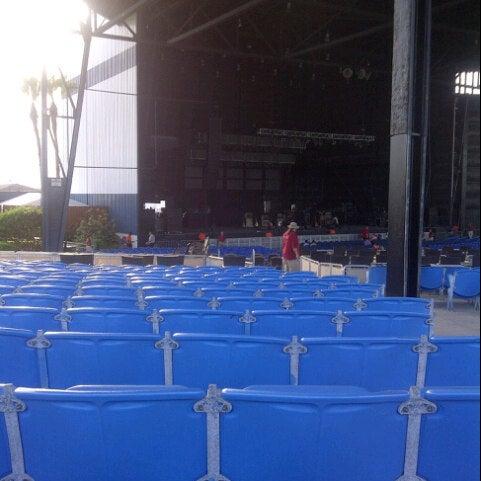 Foto tomada en Coral Sky Amphitheatre por Jennifer B. el 7/18/2012