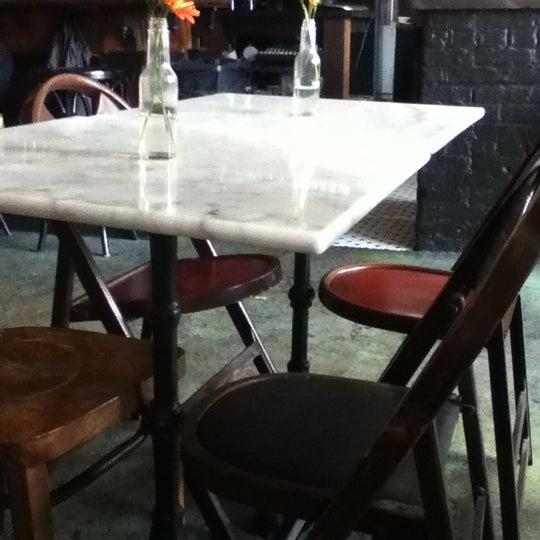 รูปภาพถ่ายที่ Cubana Social โดย Sebastian S. เมื่อ 10/15/2011