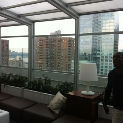 Снимок сделан в Sky Room пользователем Nimesh 8/17/2012