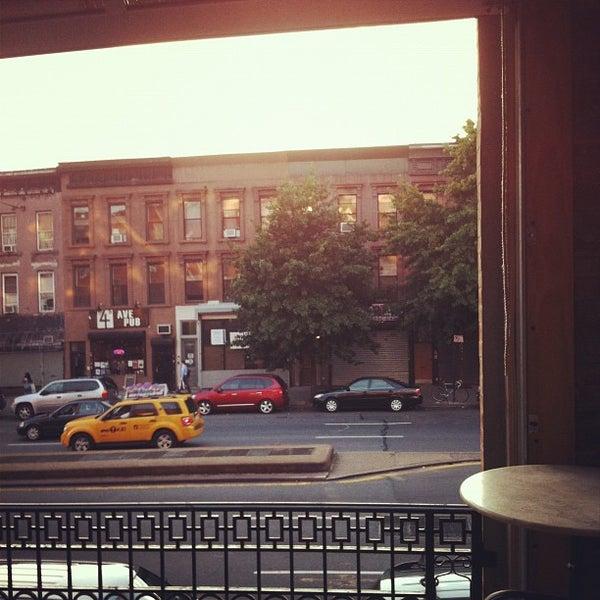 Das Foto wurde bei Fourth Avenue Pub von Rubin S. am 7/31/2012 aufgenommen