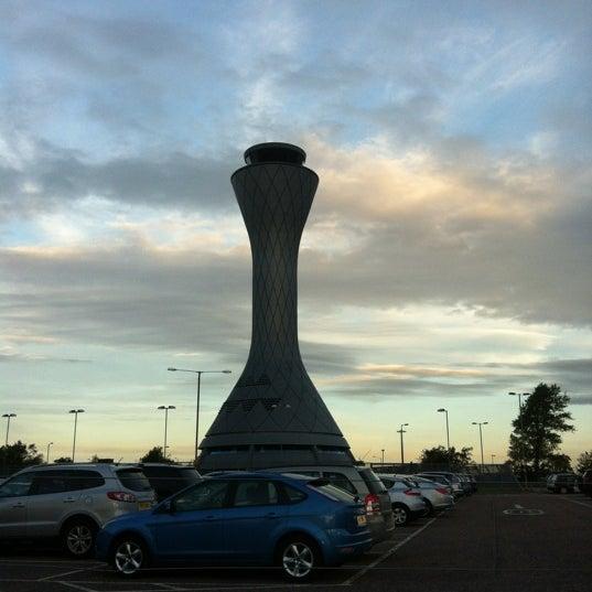 Das Foto wurde bei Edinburgh Airport (EDI) von Nathyn am 7/25/2011 aufgenommen