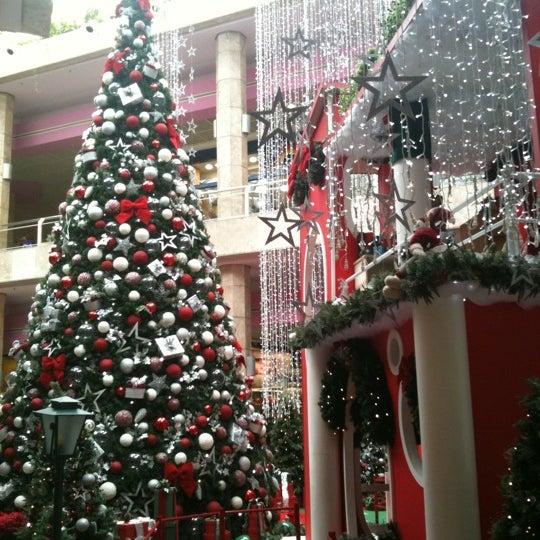 12/28/2010 tarihinde Maicol O.ziyaretçi tarafından Shopping Center Penha'de çekilen fotoğraf