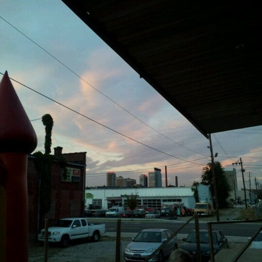 Foto diambil di Good People Brewing Company oleh Jenni L. O. pada 8/14/2011