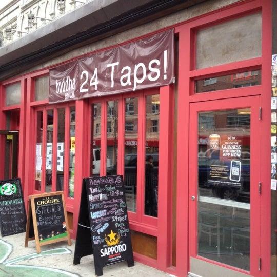 Foto diambil di Buddha Beer Bar oleh Aaron S. pada 3/25/2012