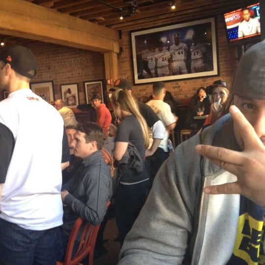 Photo prise au Pete's Tavern par andrea d. le4/15/2012