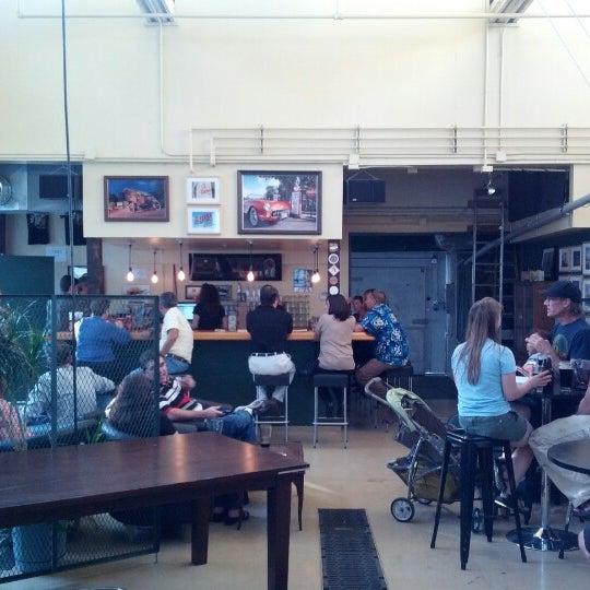 รูปภาพถ่ายที่ Mother Road Brewing Company โดย Ben H. เมื่อ 8/18/2012